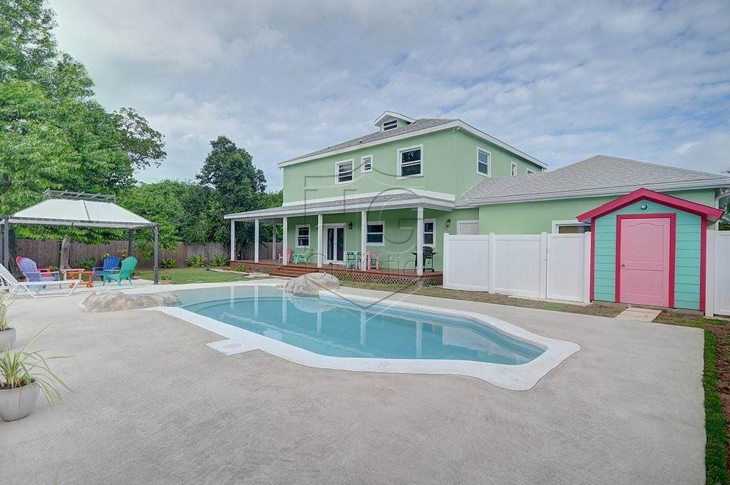 Single Family Homes por un Alquiler en Modern family home in the East - MLS 40048 Camperdown, Nueva Providencia / Nassau, Bahamas