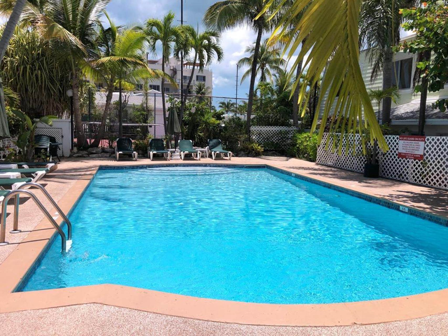 Co-op / Condo for Rent at Bayview Charming Two Bedroom Condo on Paradise Island - MLS 40410 Paradise Island, Nassau And Paradise Island, Bahamas