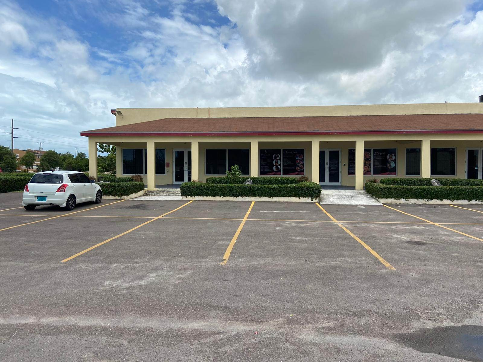 Commercial for Rent at New Commercial Units in Epic Plaza - MLS 41107 Fire Trail Road, Nassau And Paradise Island, Bahamas