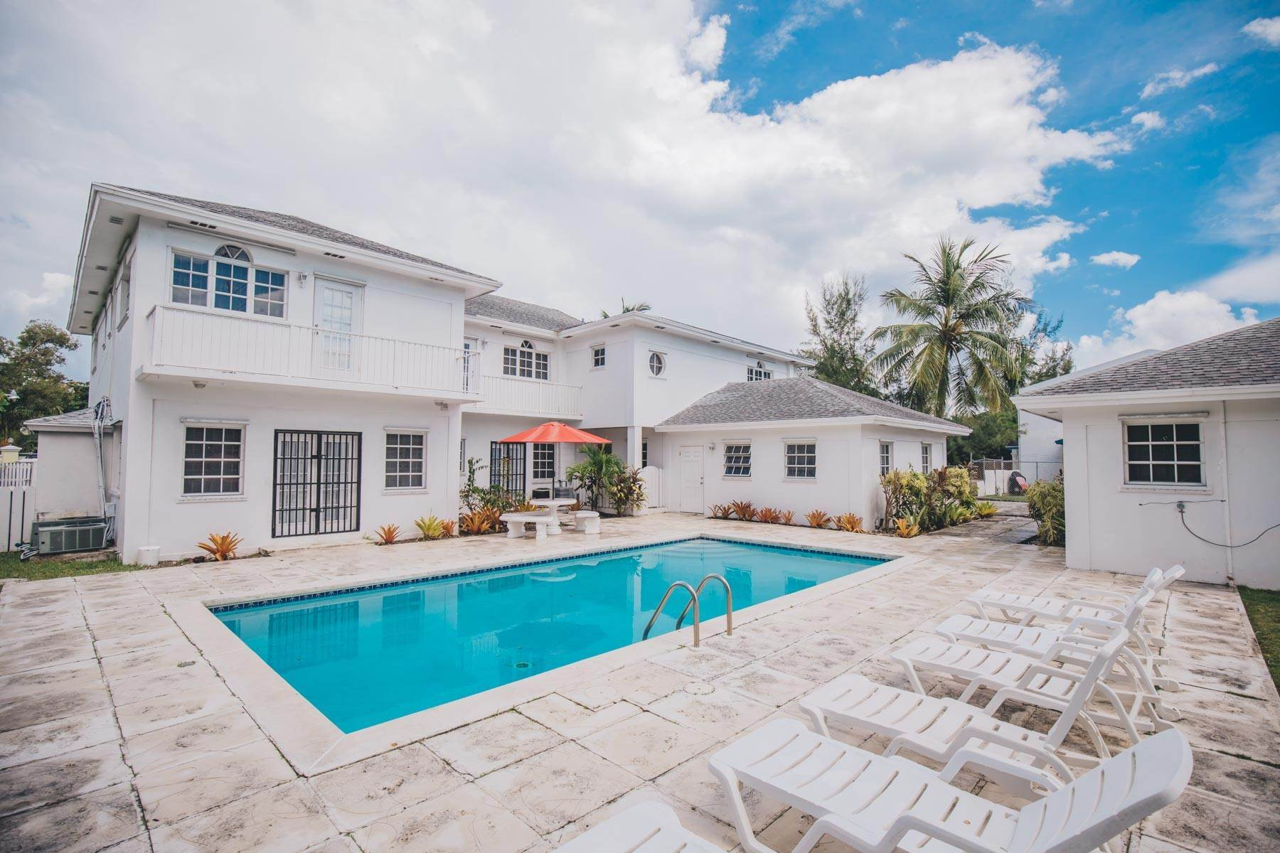 Single Family Homes for Rent at Excellent Family Home in Vista Marina - MLS 41677 Nassau And Paradise Island, Bahamas