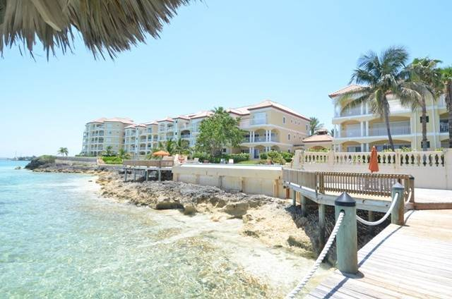 Co-op / Condo for Rent at Caves Point Oceanfront penthouse Caves Point, Nassau And Paradise Island, Bahamas