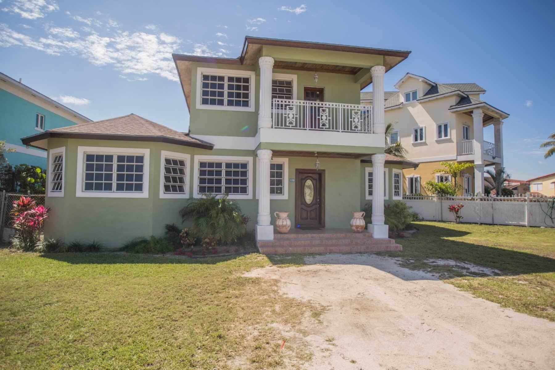 Single Family Homes por un Alquiler en Colonial West Two Storey Home for Rent - MLS 42280 Cable Beach, Nueva Providencia / Nassau, Bahamas