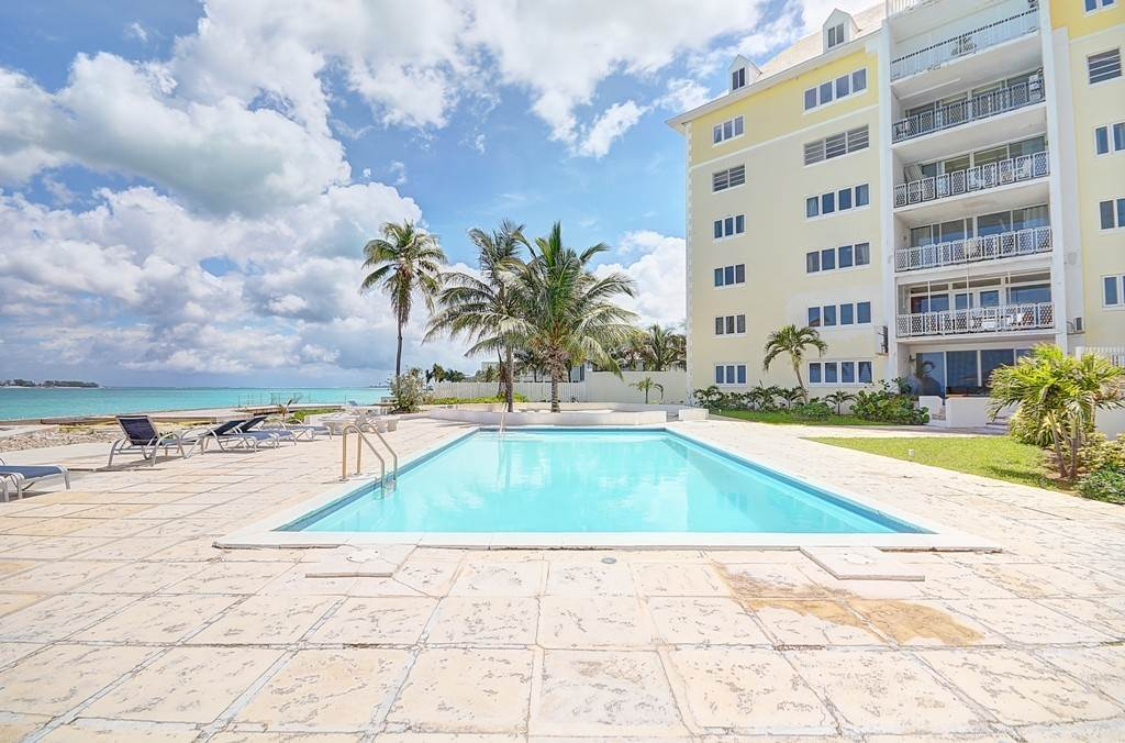 Co-op / Condominio por un Alquiler en Penthouse Living in Cable Beach at Rawson Court - MLS 42460 Rawsons Court, Cable Beach, Nueva Providencia / Nassau Bahamas