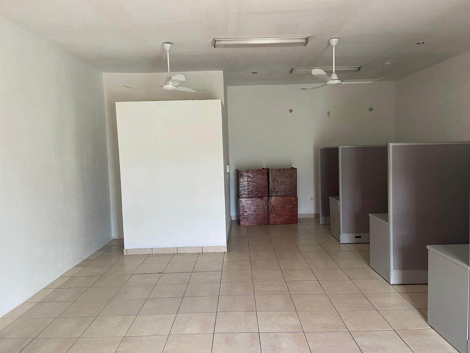 Commercial for Rent at Fire Trail Business Rental - MLS 43082 Fire Trail Road, Nassau And Paradise Island, Bahamas