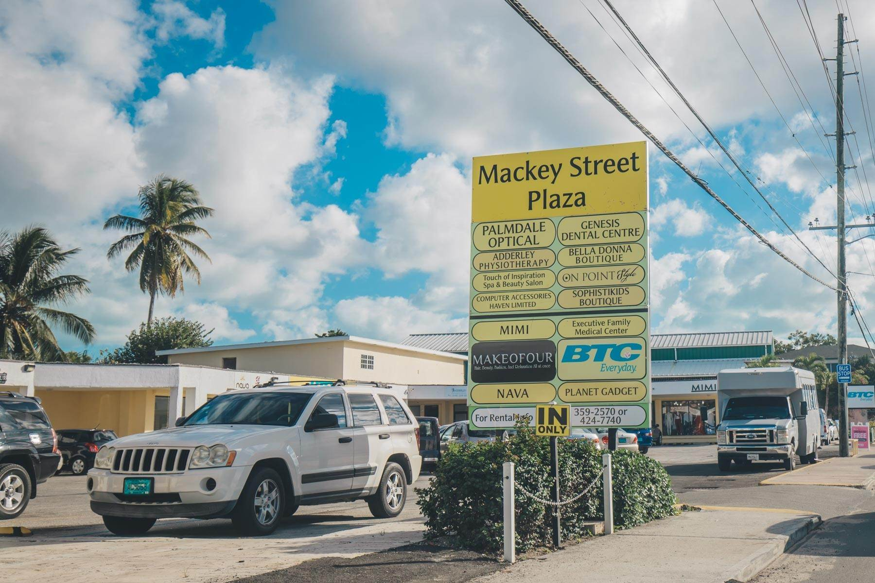 Commercial for Rent at Large Corner Unit for Rent on Mackey Street - MLS 42986 Palmdale, Nassau And Paradise Island, Bahamas