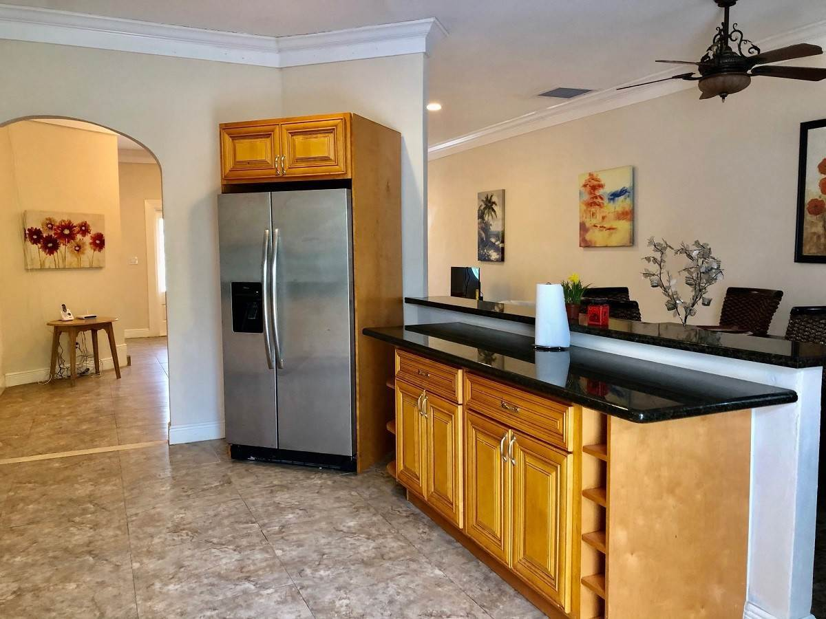 Co-op / Condo for Rent at Executive 2-Bed Townhouse Rental Unit 2 in South Seas - MLS 43843 Bacardi Road, Nassau And Paradise Island, Bahamas