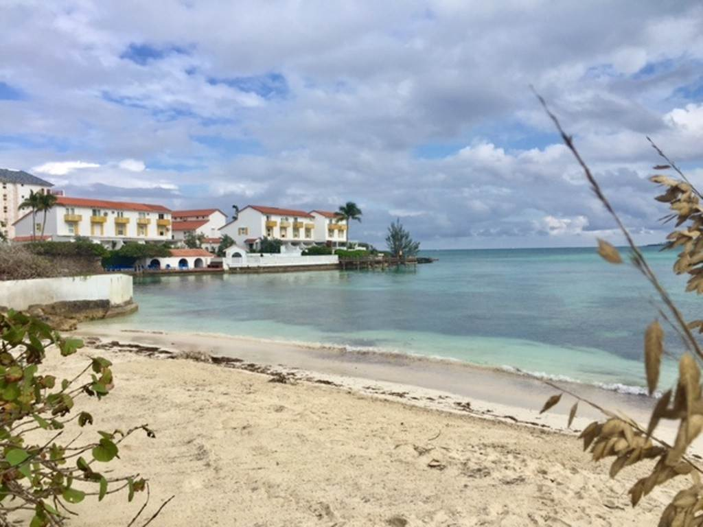 Co-op / Condo for Rent at Charming Delaporte Waterfront Townhouse - MLS 43062 Delaporte Point, Nassau And Paradise Island, Bahamas