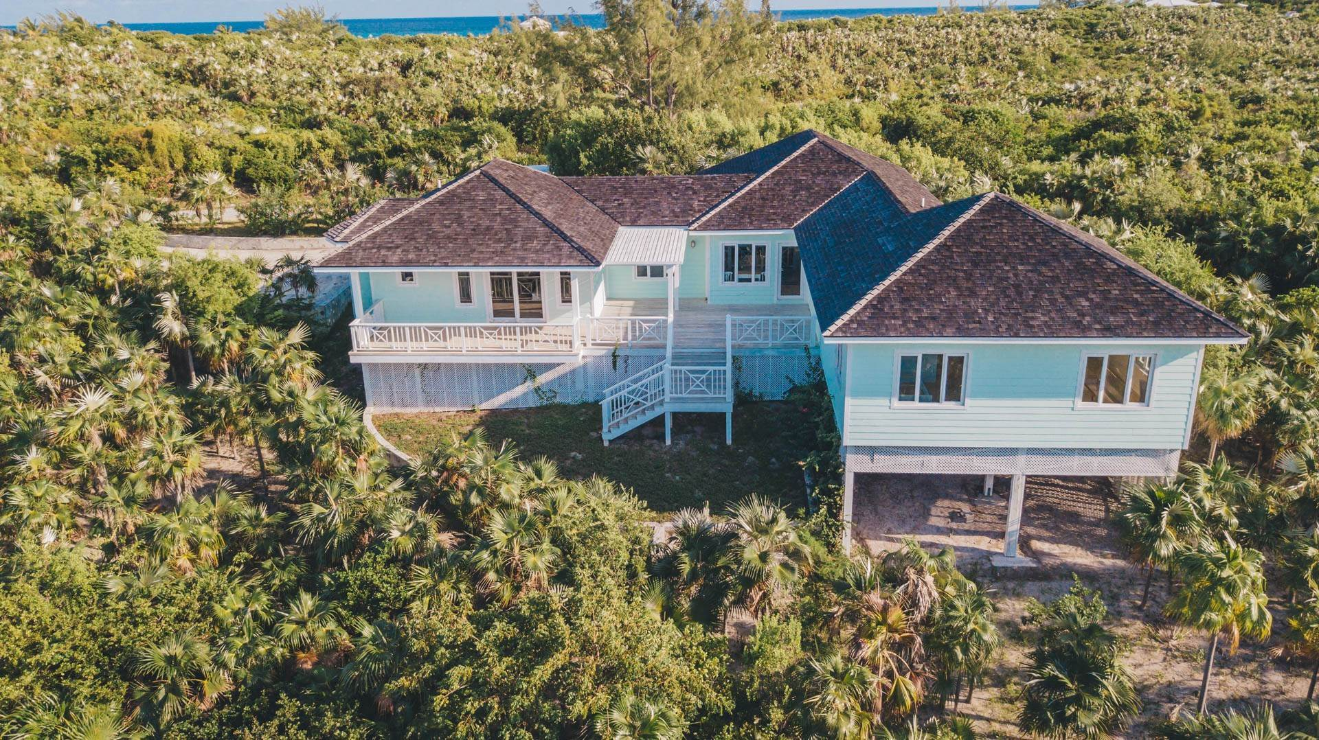 30. Single Family Homes for Sale at Savannah Sound Home - Windermere Island - MLS 44478 Windermere Island, Eleuthera, Bahamas