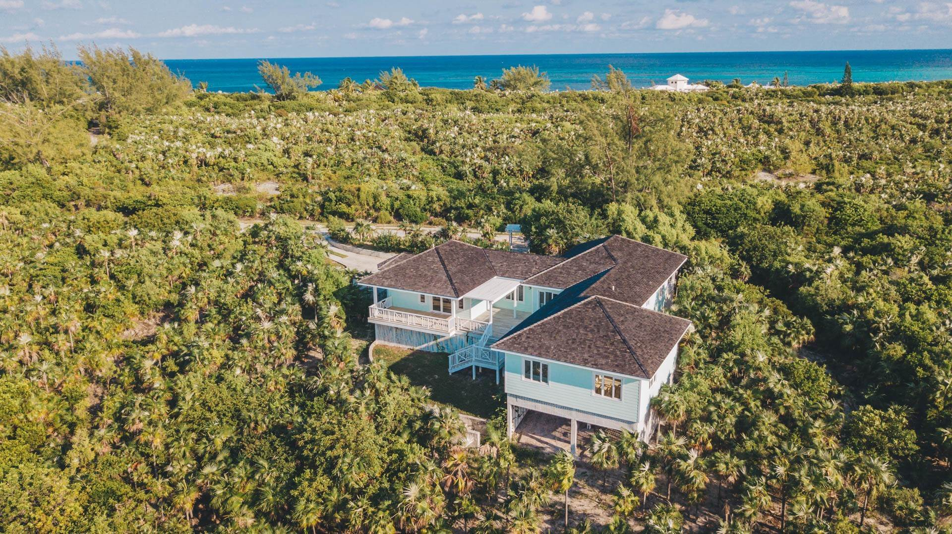 32. Single Family Homes for Sale at Savannah Sound Home - Windermere Island - MLS 44478 Windermere Island, Eleuthera, Bahamas