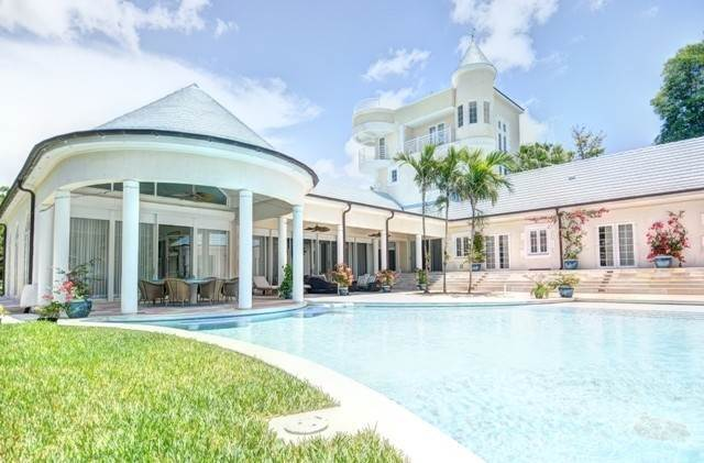 4. Single Family Homes for Sale at A One of a Kind Residence in Lyford Cay Lyford Cay, Nassau And Paradise Island, Bahamas