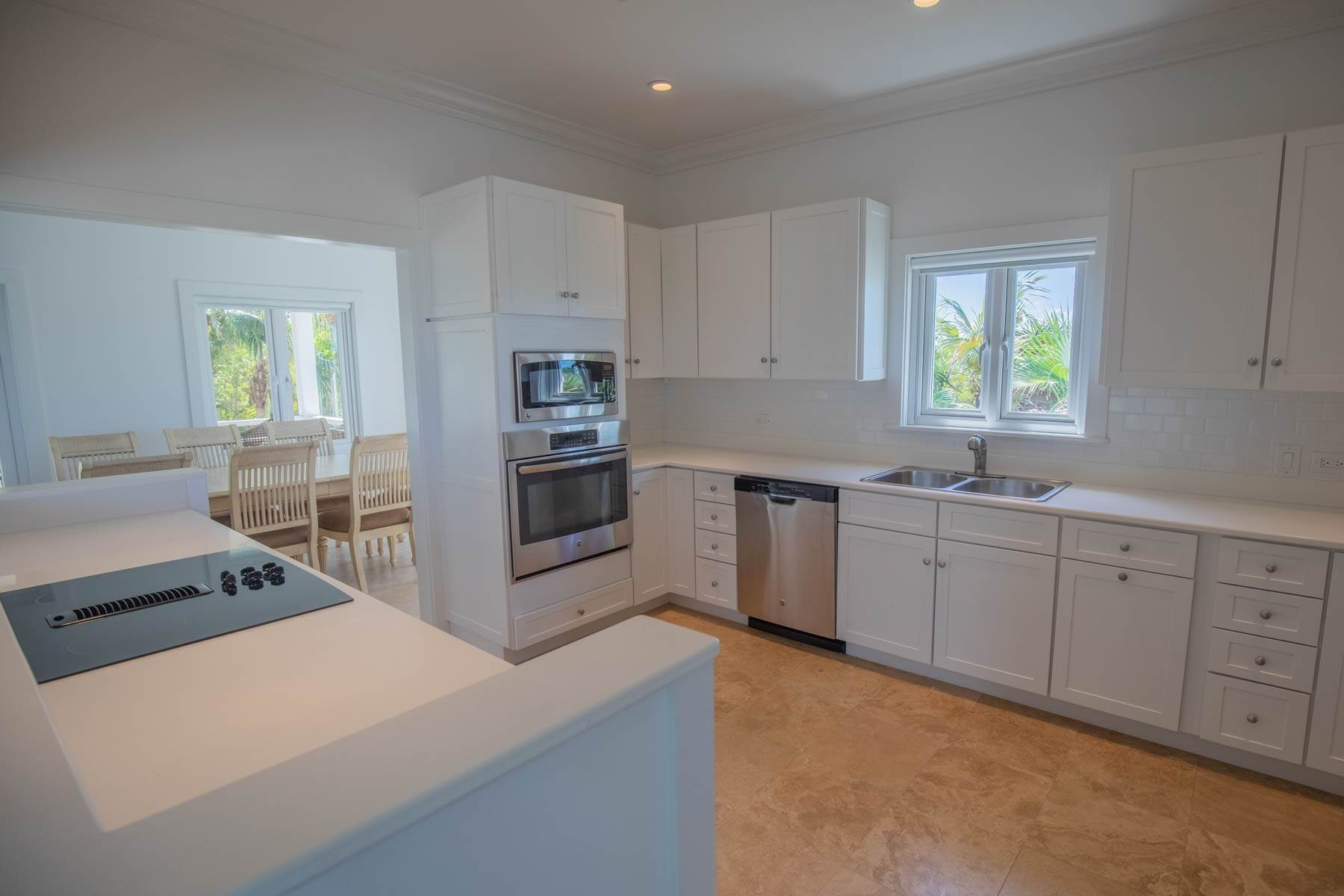 7. Single Family Homes for Sale at Savannah Sound Home - Windermere Island - MLS 44478 Windermere Island, Eleuthera, Bahamas