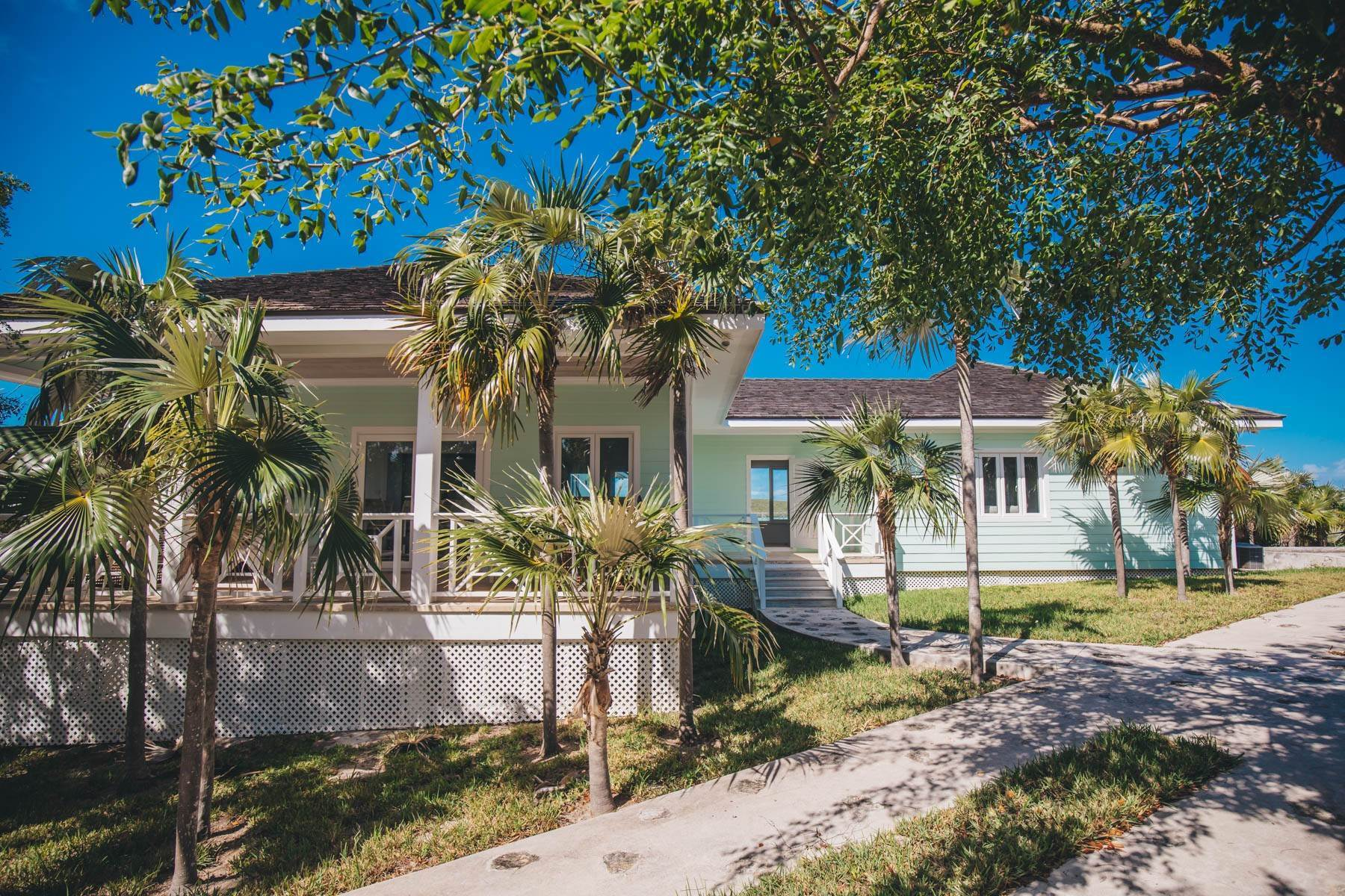 2. Single Family Homes for Sale at Savannah Sound Home - Windermere Island - MLS 44478 Windermere Island, Eleuthera, Bahamas