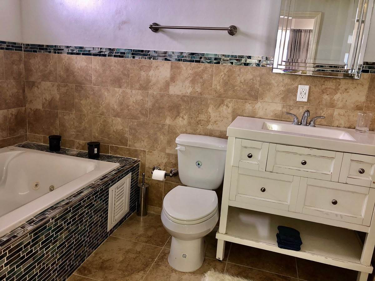 7. Co-op / Condo for Rent at Executive 2-Bed Townhouse Rental Unit 3 in South Seas - MLS 43844 Bacardi Road, Nassau And Paradise Island, Bahamas