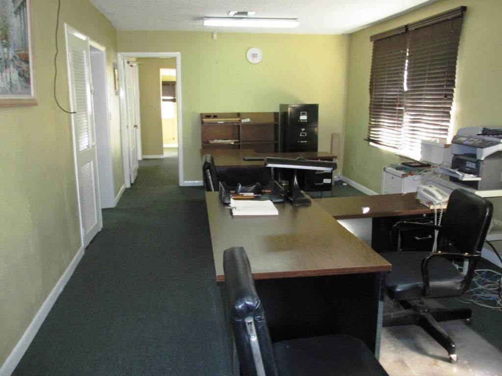 11. Commercial for Rent at Centrally located Office space Nassau And Paradise Island, Bahamas