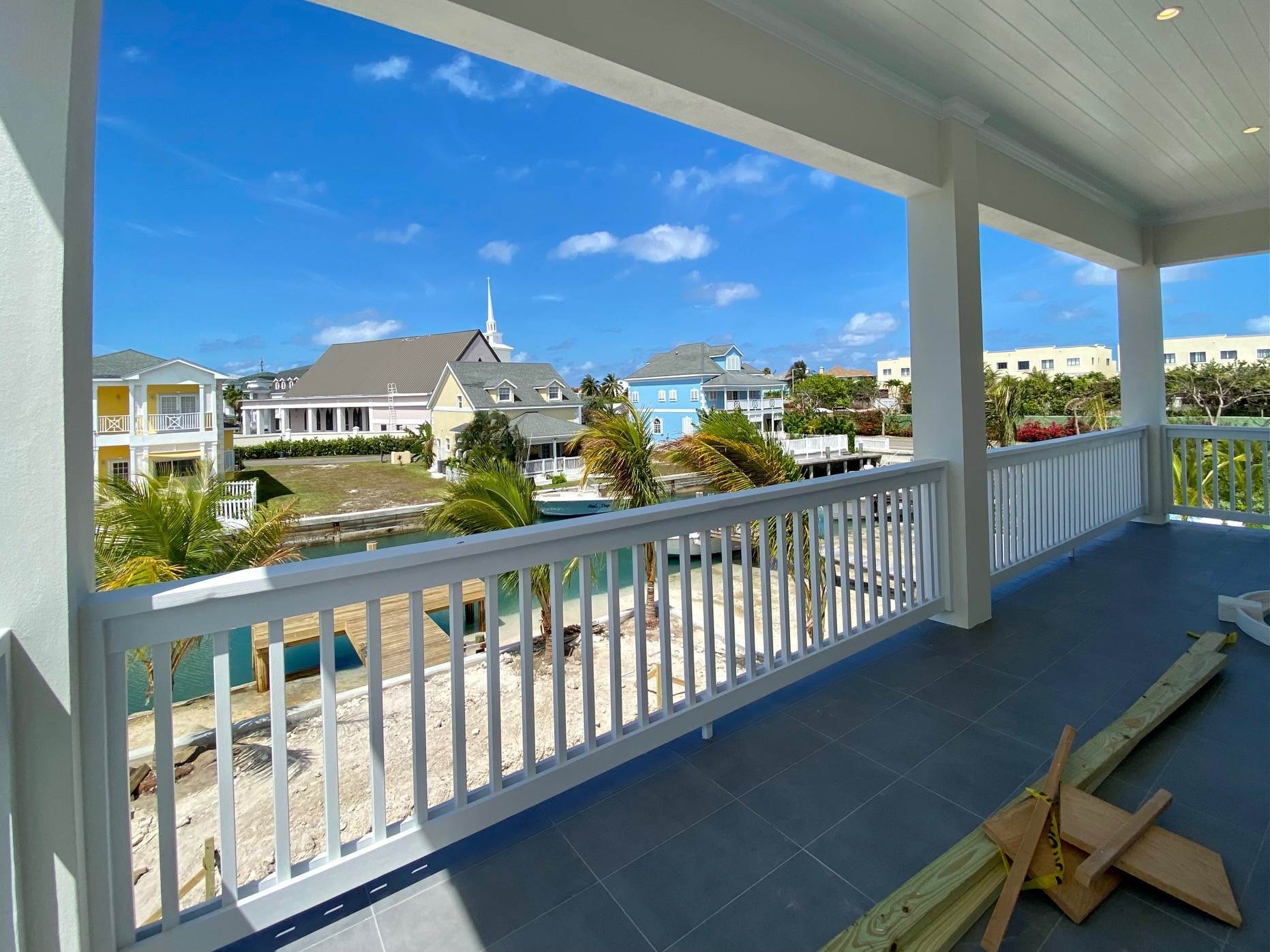 11. Single Family Homes for Sale at Grand Contemporary Home in Sandyport - MLS 43963 Sandyport, Cable Beach, Nassau And Paradise Island Bahamas