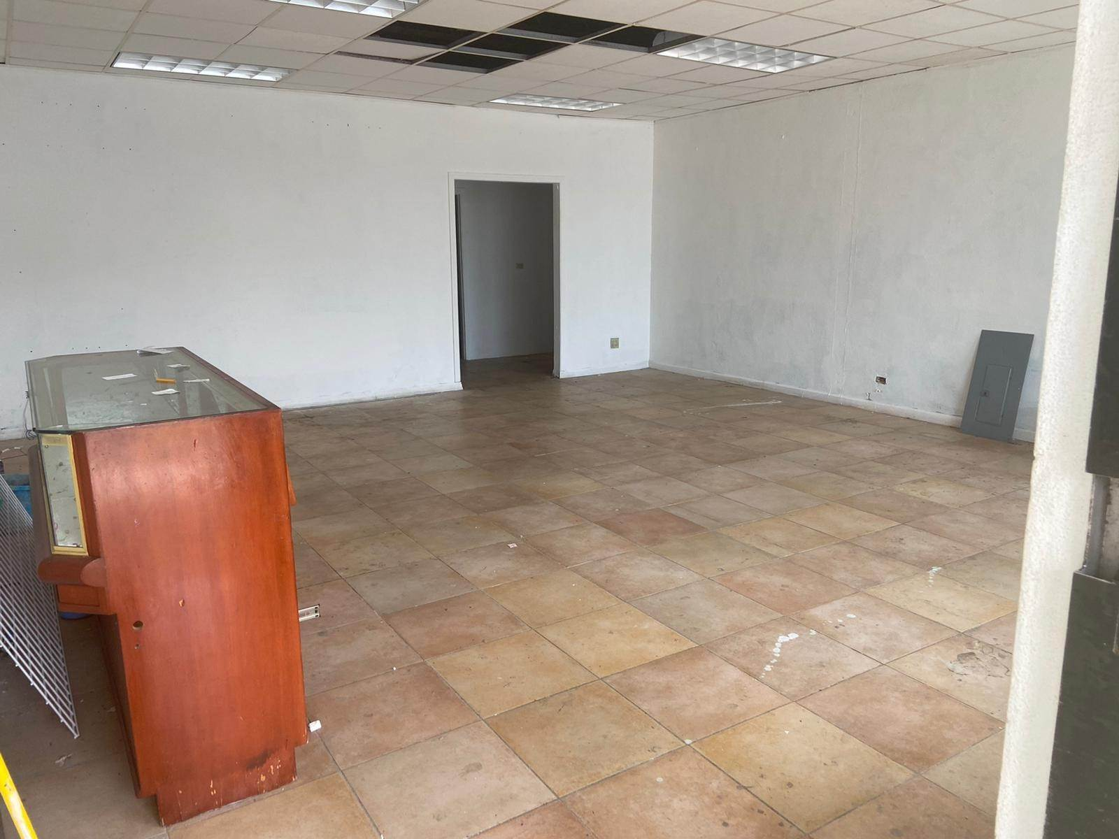 6. Commercial for Rent at Prime Commercial Property for Rent on Mackey Street - MLS 42984 Palmdale, Nassau And Paradise Island, Bahamas
