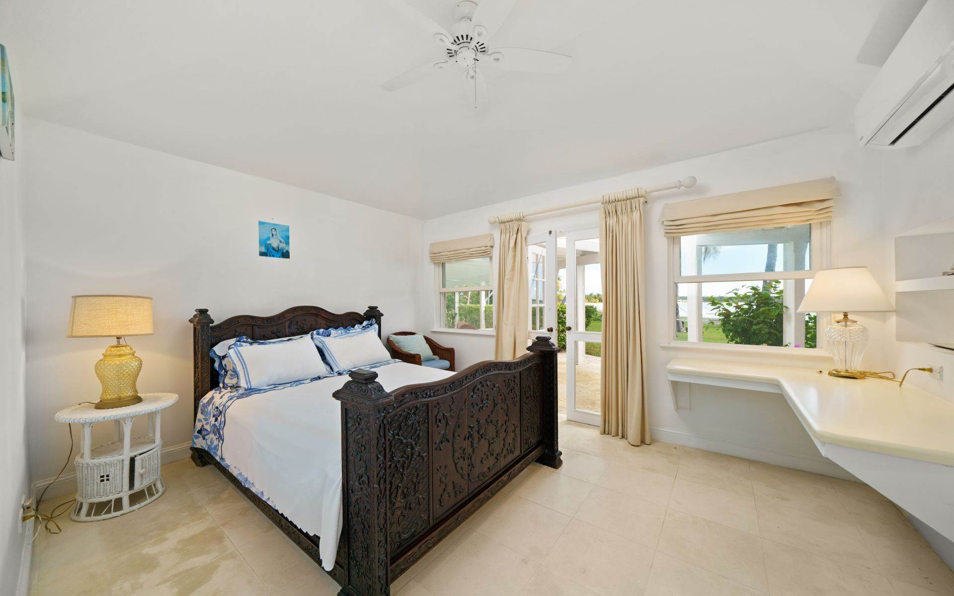 38. Single Family Homes for Rent at Magnificent Lyford Cay Beachfront Estate Lyford Cay, Nassau And Paradise Island, Bahamas