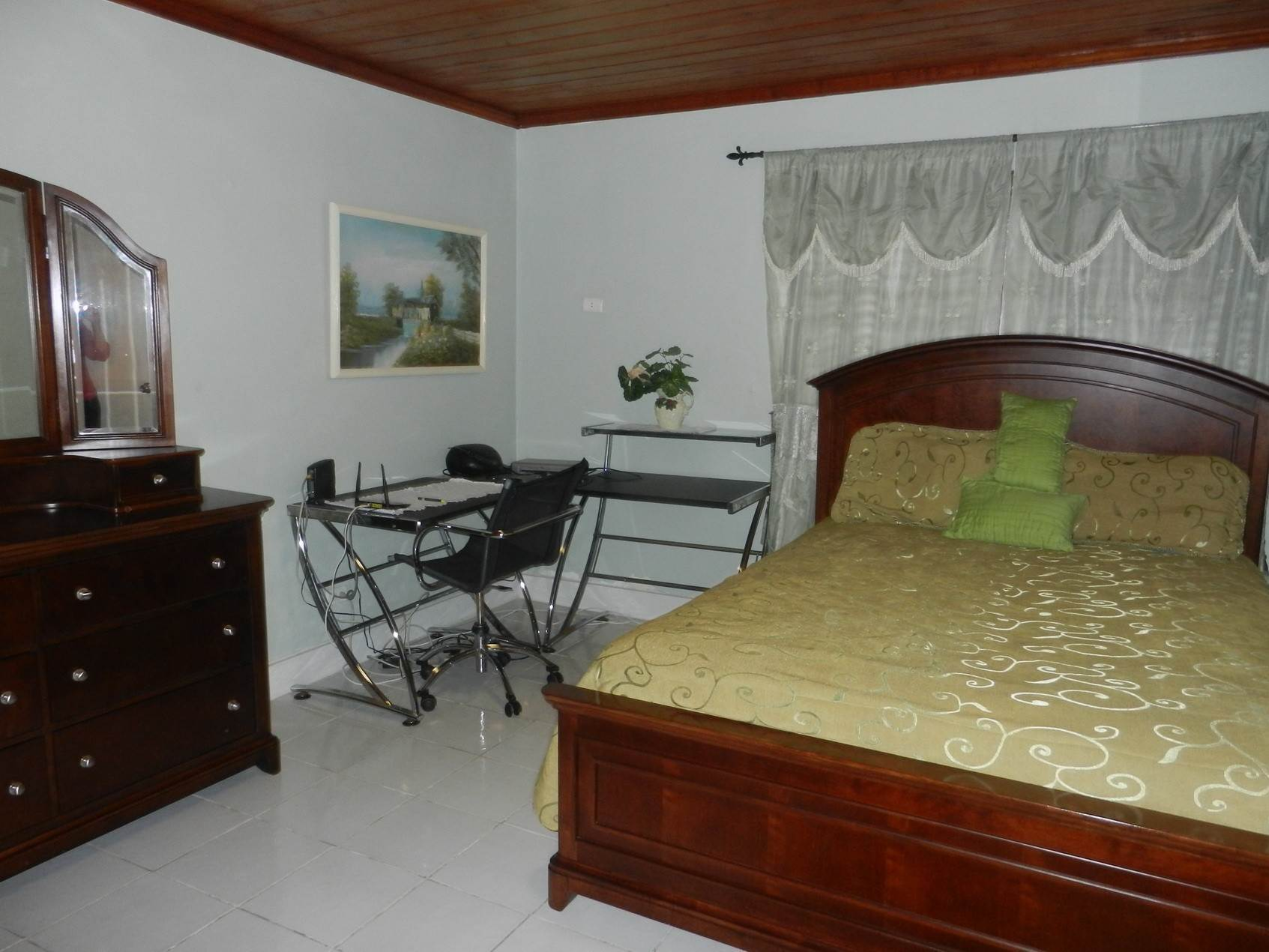 12. Single Family Homes por un Alquiler en Lovely Family Home with Large Garden, Pool and back-up Generator - MLS 39185 Eastern Road, Nueva Providencia / Nassau, Bahamas