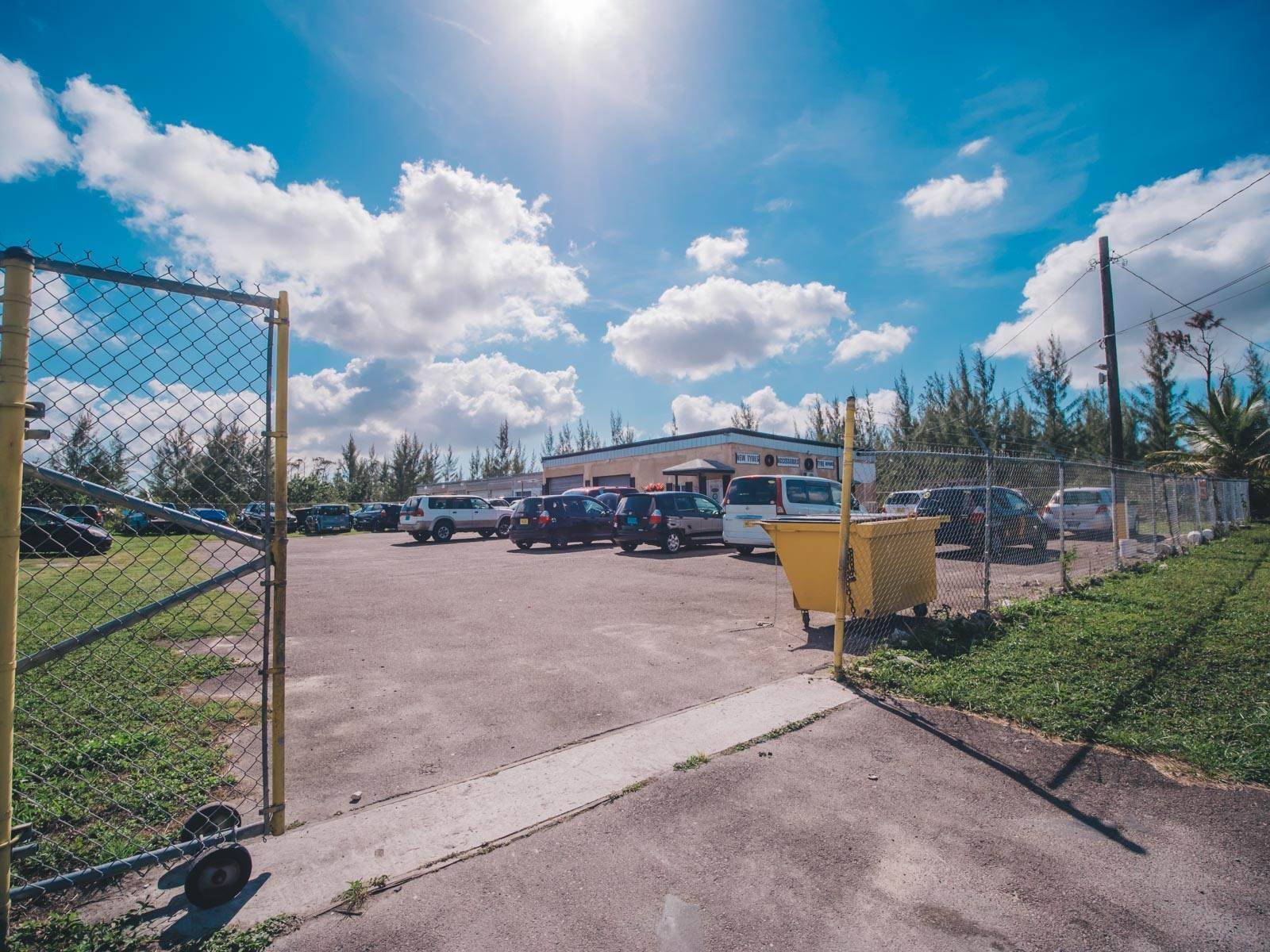 7. Commercial for Rent at Multi-Purpose Facility on Gladstone Road - MLS 37852 Gladstone Road, Nassau And Paradise Island, Bahamas