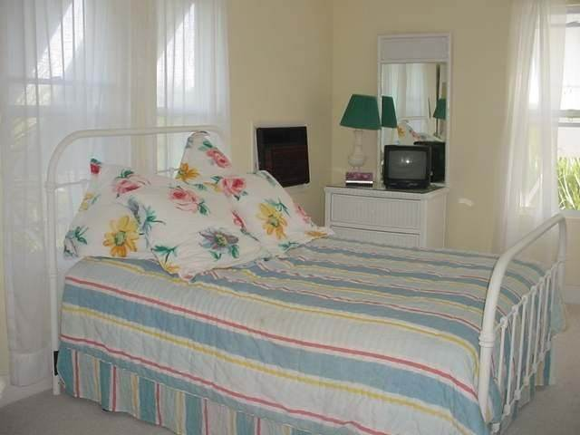 11. Single Family Homes for Sale at Kings Country Estate Harbour Island, Eleuthera, Bahamas