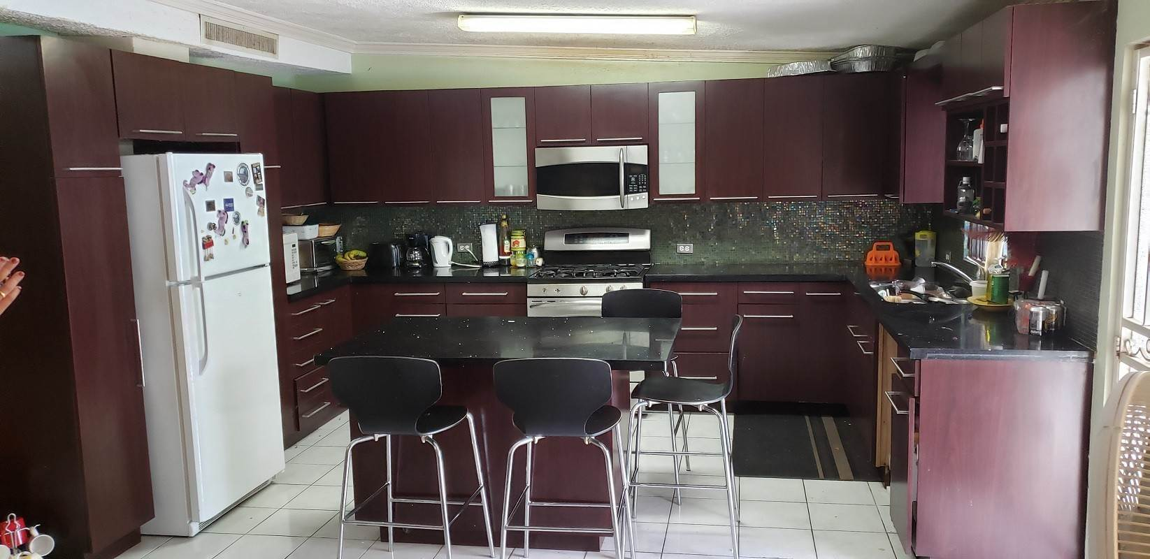 2. Single Family Homes for Rent at 3 Bed 2 Bath Residence #7 Vanga Court, Blair Estates - MLS 43817 Blair Estates, Eastern Road, Nassau And Paradise Island Bahamas