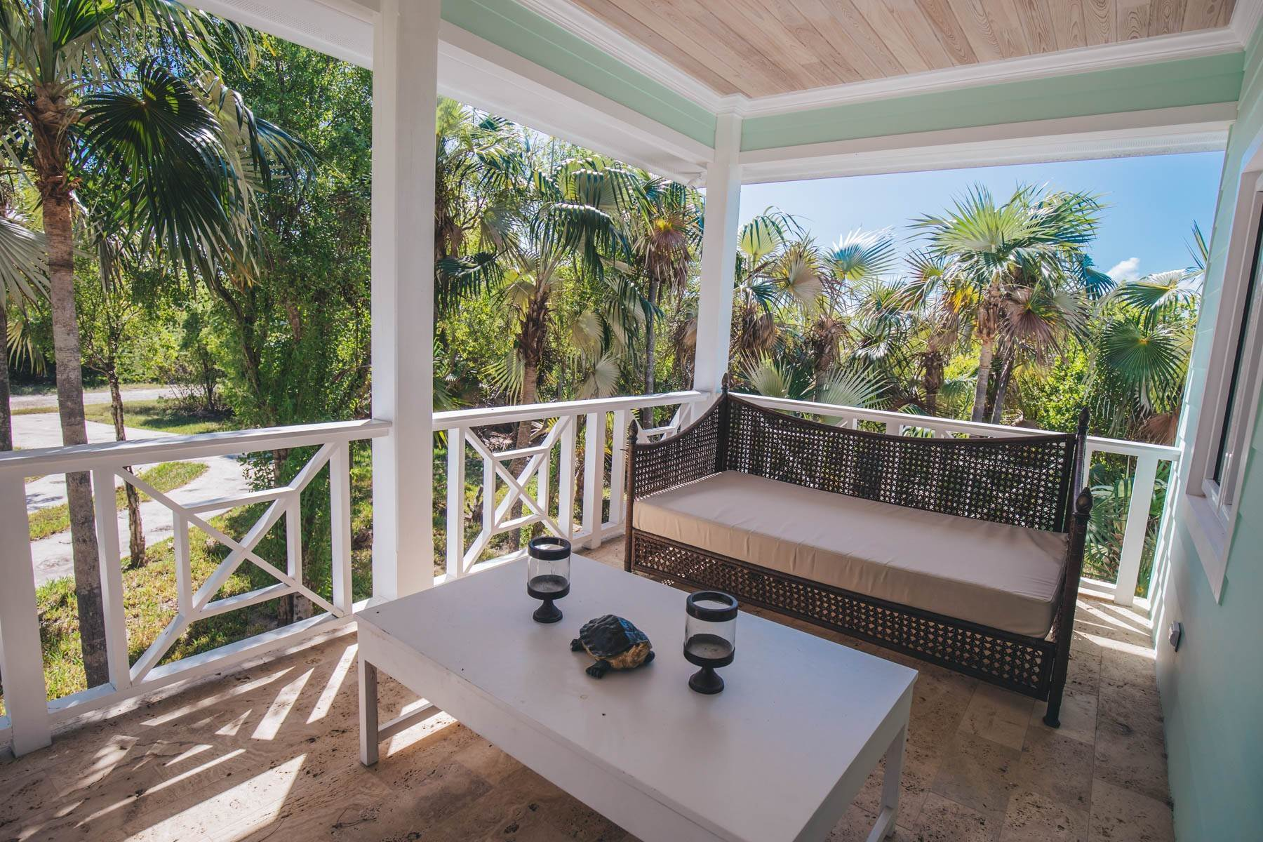 16. Single Family Homes for Sale at Savannah Sound Home - Windermere Island - MLS 44478 Windermere Island, Eleuthera, Bahamas