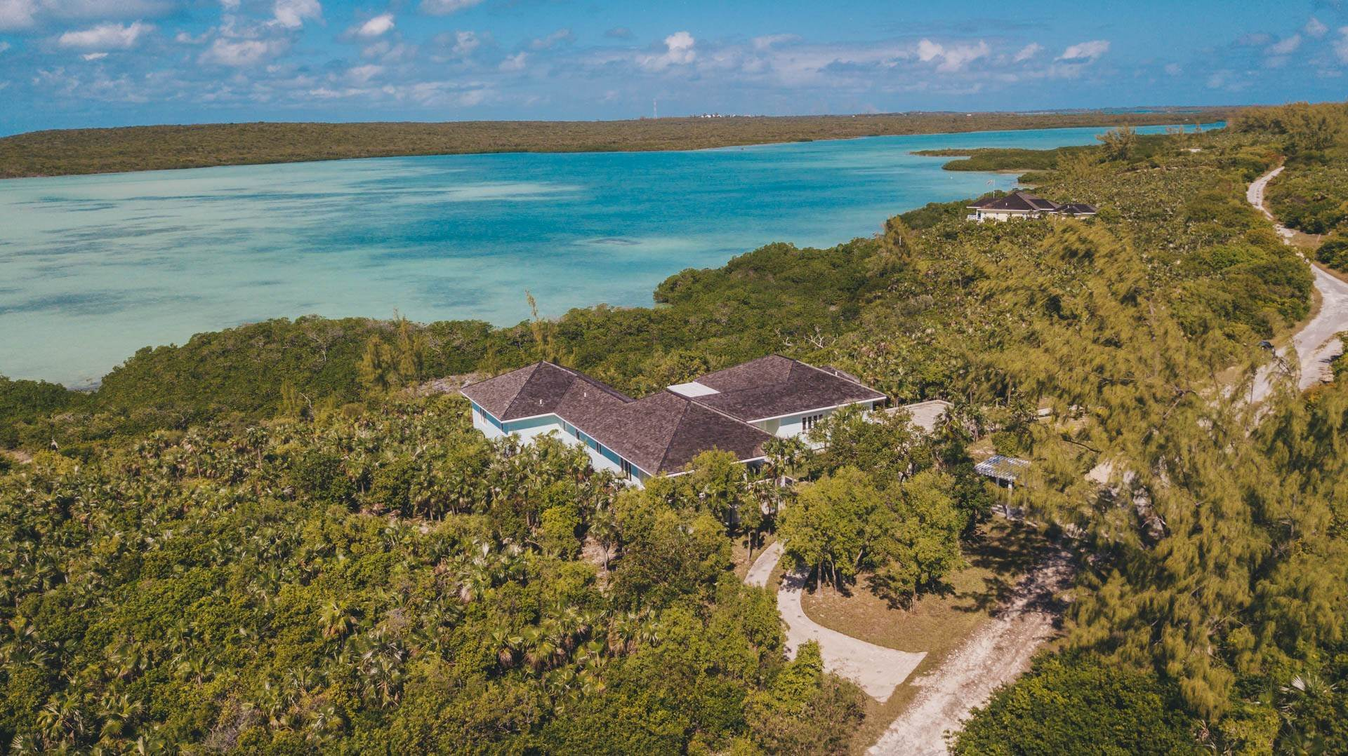 36. Single Family Homes for Sale at Savannah Sound Home - Windermere Island - MLS 44478 Windermere Island, Eleuthera, Bahamas