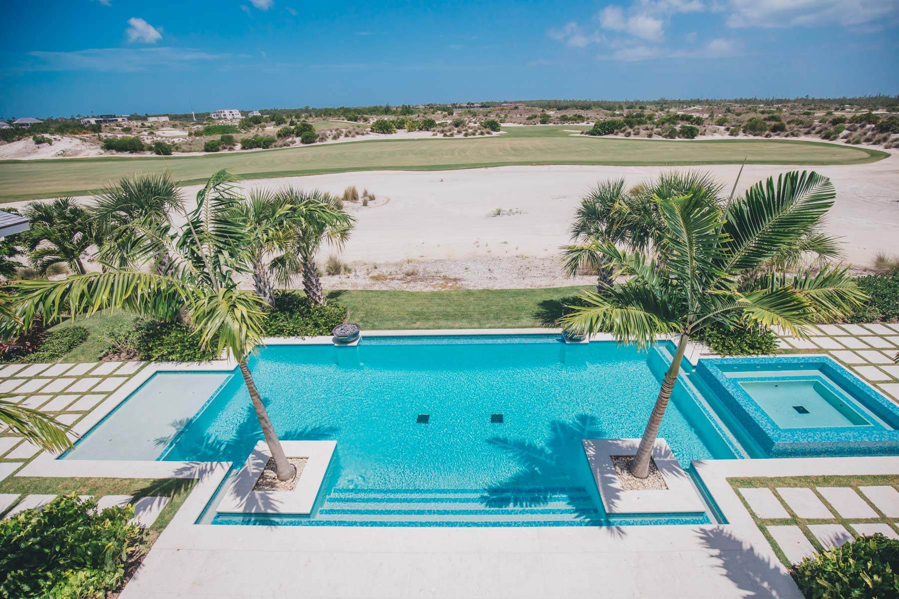 12. Single Family Homes for Sale at Immaculate Albany Golf Course Residence Albany, Nassau And Paradise Island, Bahamas