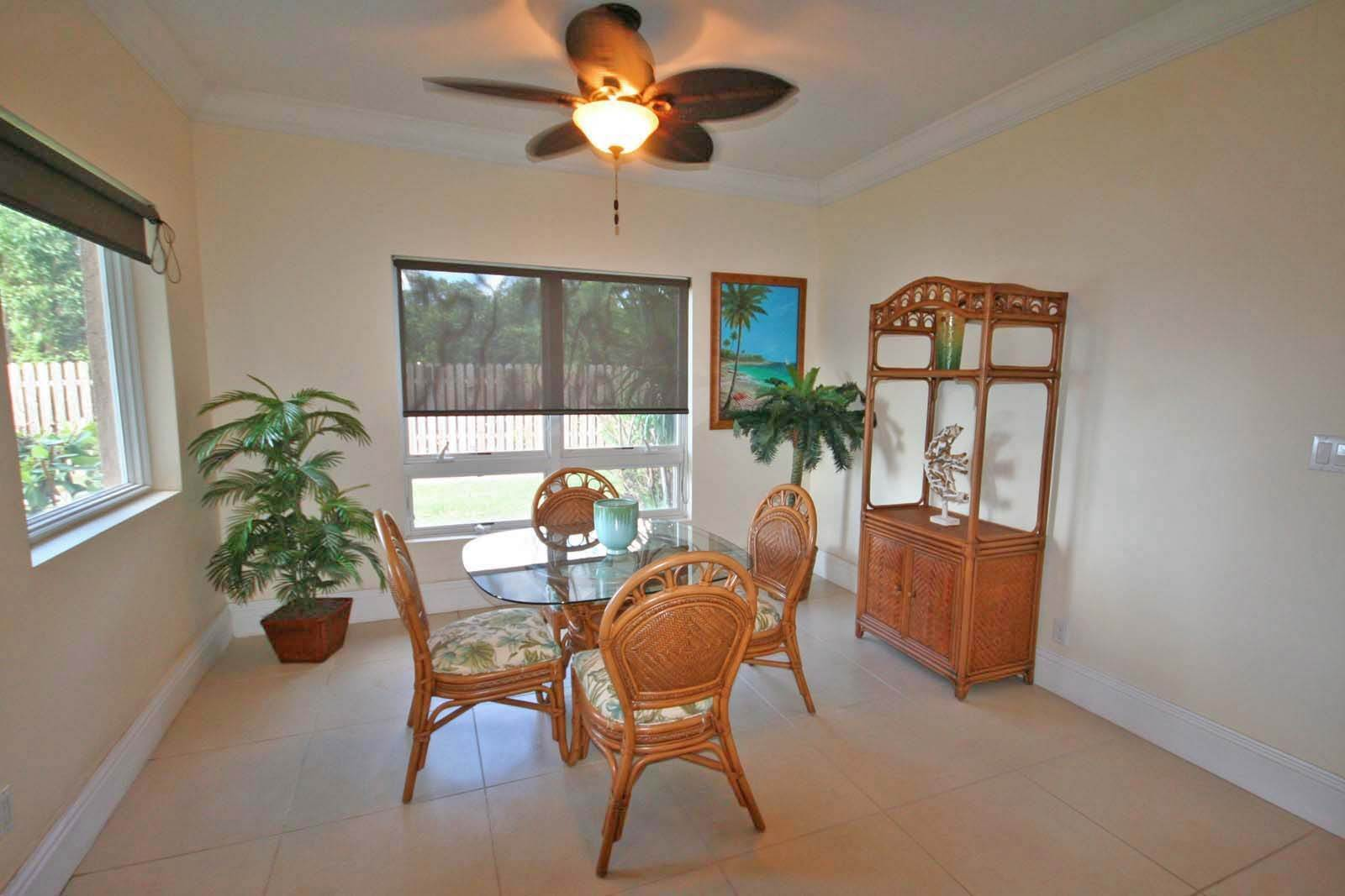4. Co-op / Condo for Rent at Luxurious Waterfront 1-Bedroom Condominium in Gorgeous Suffolk Court Bahamia Marina, Freeport And Grand Bahama, Bahamas