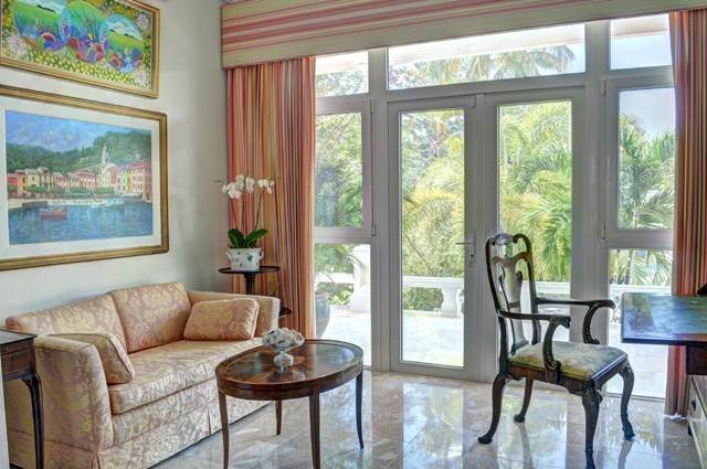 14. Single Family Homes for Sale at The Columns Eastern Road Eastern Road, Nassau And Paradise Island, Bahamas