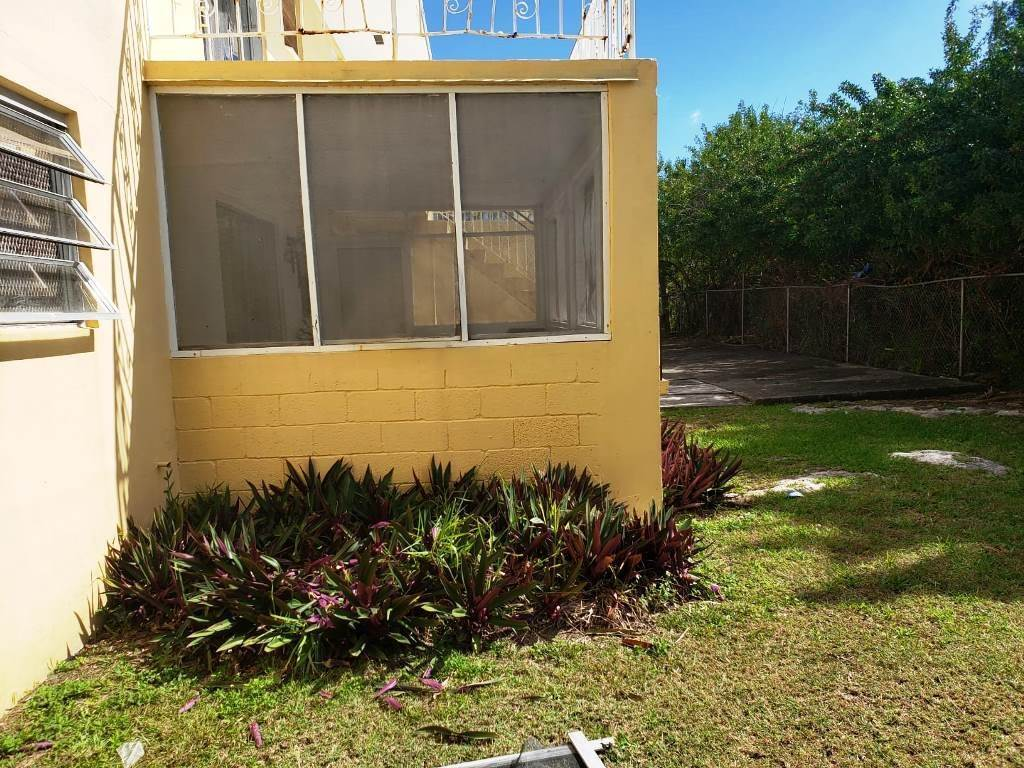 11. Commercial for Sale at Great Investment Rental Property 4 Plex - MLS 36429 Caravel Beach, Freeport And Grand Bahama, Bahamas