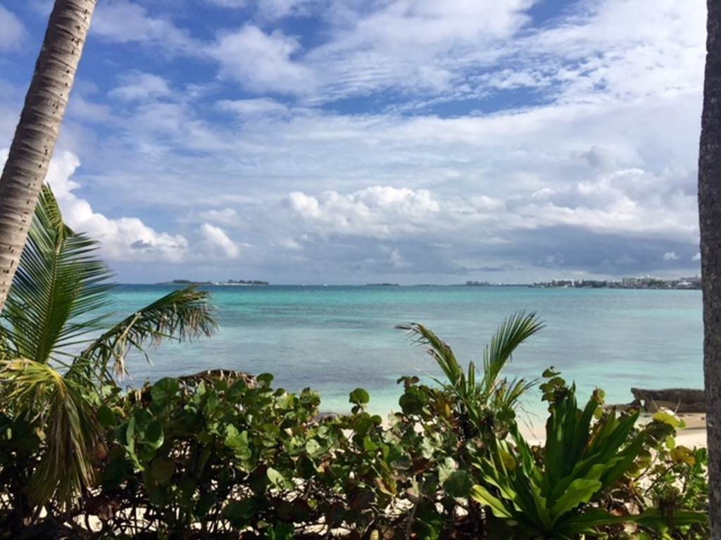 13. Co-op / Condo for Rent at Charming Delaporte Waterfront Townhouse Delaporte Point, Nassau And Paradise Island, Bahamas