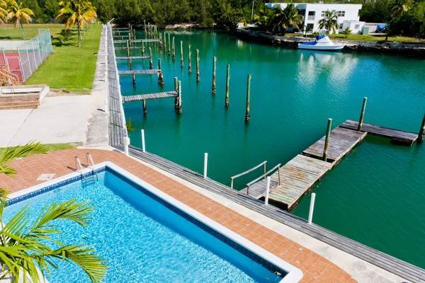 3. Co-op / Condo for Rent at Gorgeous 2 Bed Condo on the Canal Freeport And Grand Bahama, Bahamas