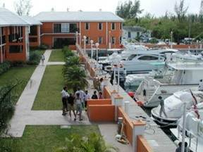 7. Comercial por un Venta en Investment Opportunity Bahama Terrace Yacht And Country Club, Gran Bahama Freeport, Bahamas