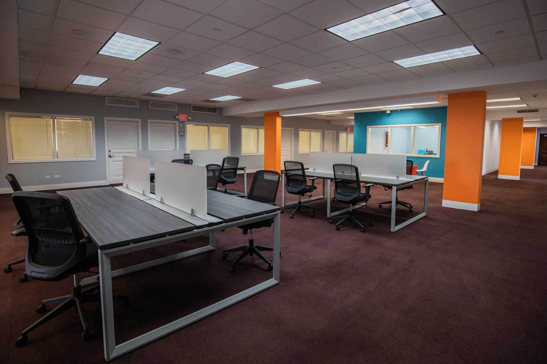 13. Comercial por un Alquiler en Centrally Located Downtown, Best Priced & Modern Office Space Monthly or Yearly - MLS 42111 Bay Street, Nueva Providencia / Nassau, Bahamas