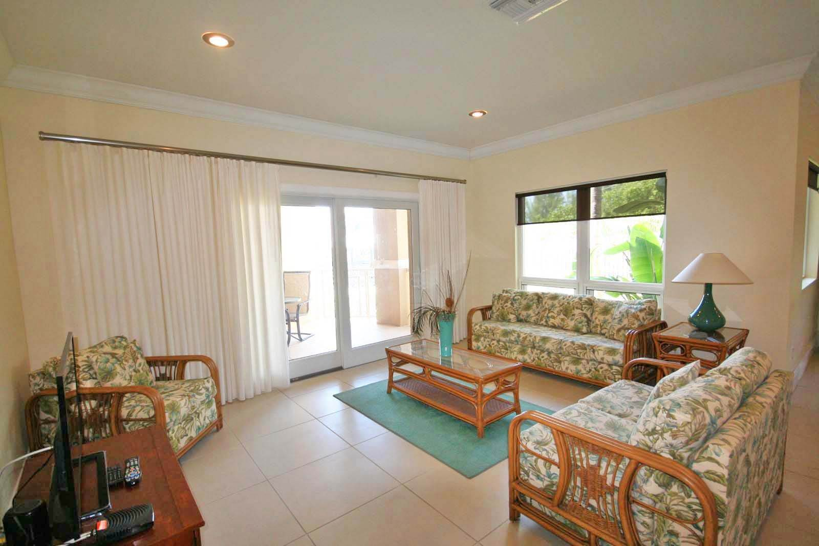 5. Co-op / Condo for Rent at Luxurious Waterfront 1-Bedroom Condominium in Gorgeous Suffolk Court Bahamia Marina, Freeport And Grand Bahama, Bahamas