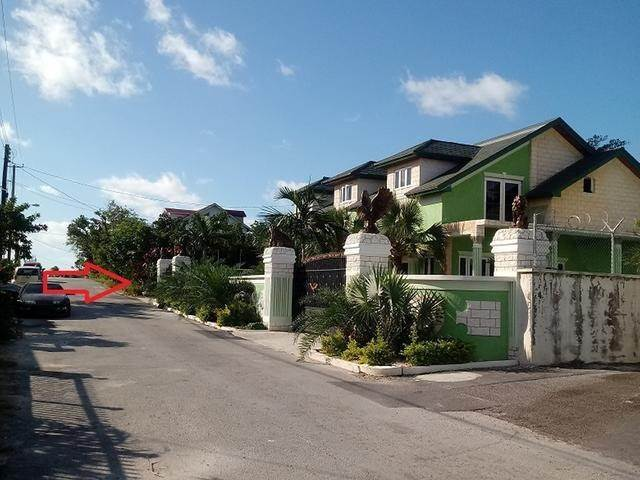 13. Single Family Homes por un Venta en Cottage and Foundation, Hamilton Subdivision, Carmichael Road Area - MLS 36790 Carmichael Road, Nueva Providencia / Nassau, Bahamas