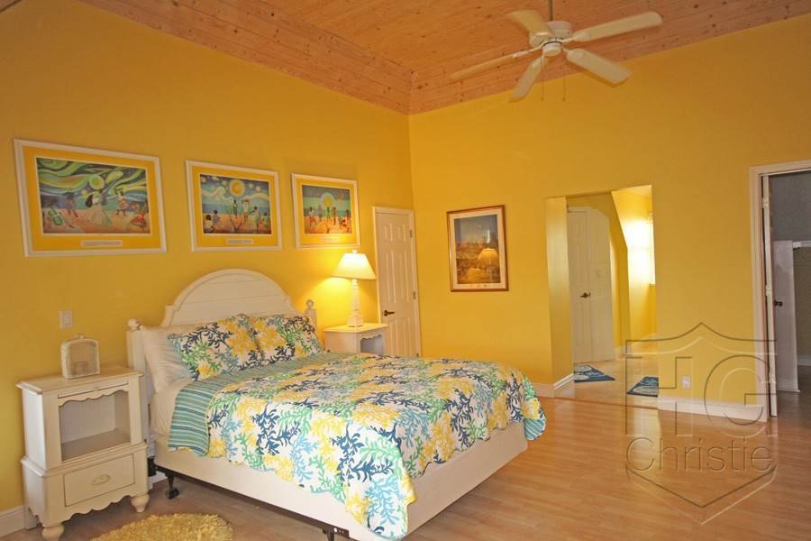 14. Single Family Homes por un Alquiler en Island Home in Shoreline, Fortune Beach, Lucaya Shoreline, Lucaya, Gran Bahama Freeport Bahamas