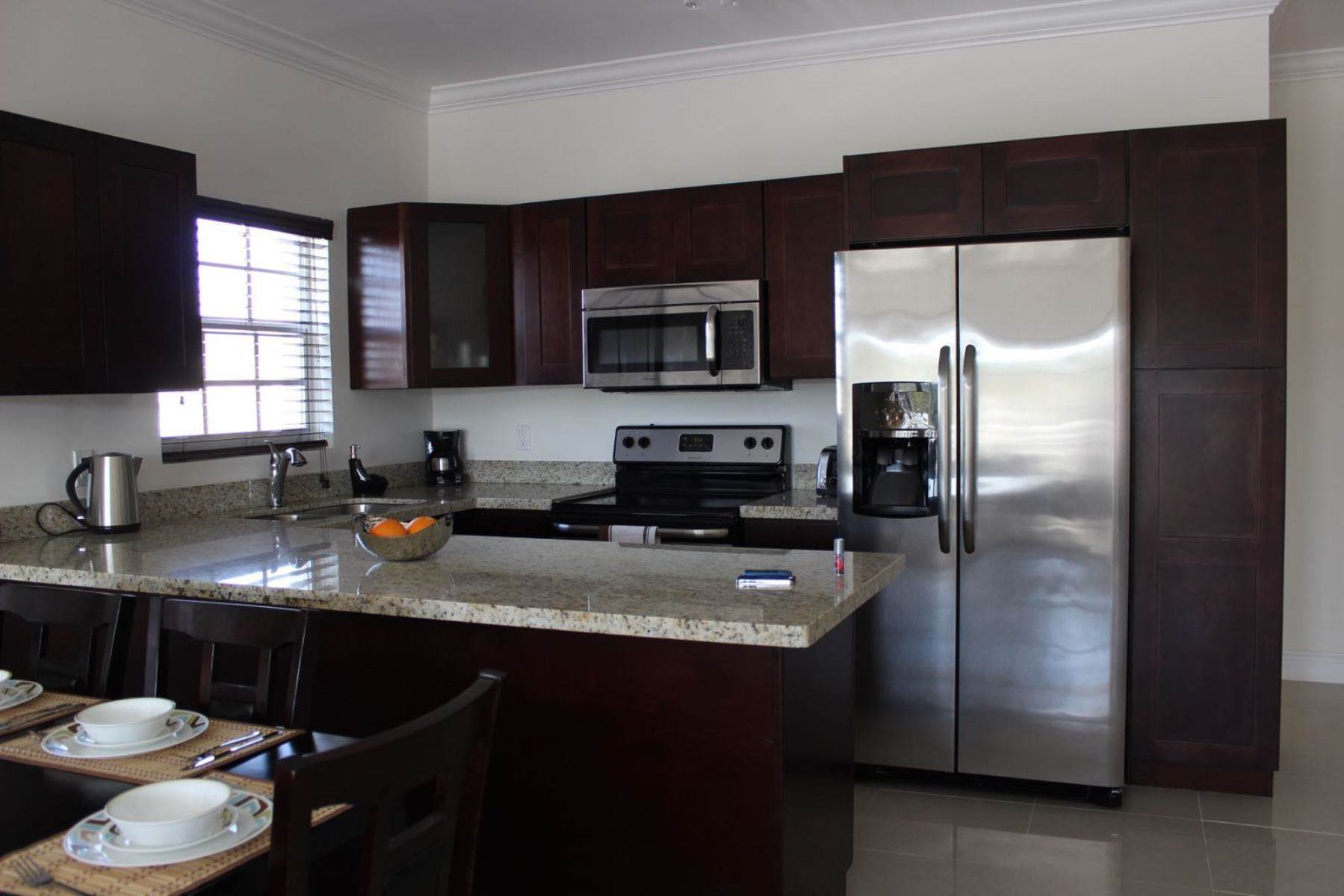 5. Co-op / Condominio por un Alquiler en Nicely furnished Penthouse in Venito Westridge Estates Westridge Estates, Westridge, Nueva Providencia / Nassau Bahamas