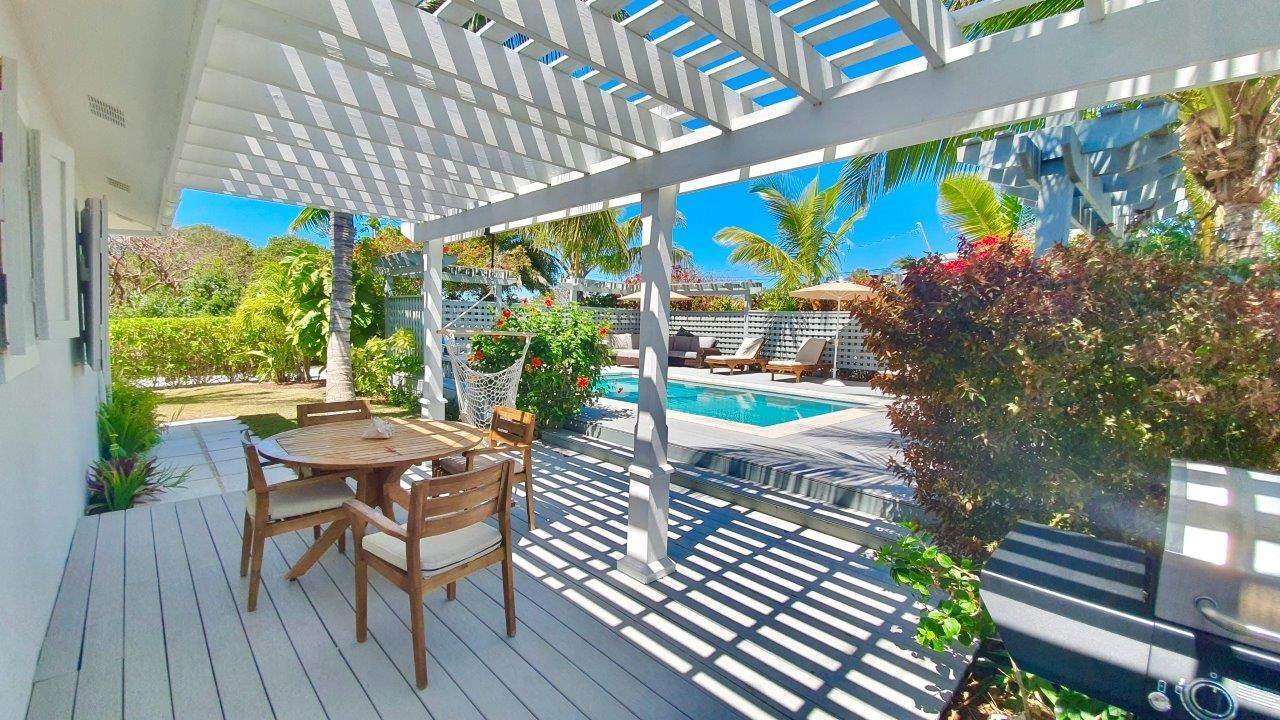 24. Single Family Homes for Sale at Fabulous Coastal Living Home in Governor's Harbour - MLS 44509 Governors Harbour, Eleuthera, Bahamas