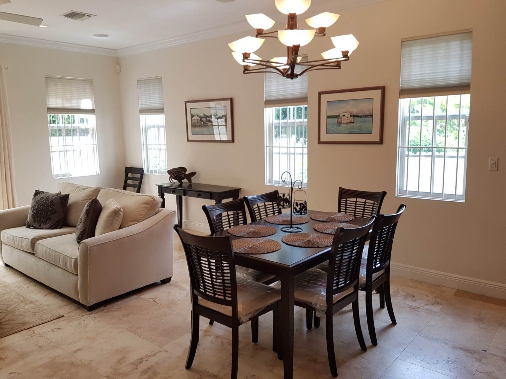 15. Co-op / Condo for Rent at Beautiful Balmoral Townhome Nassau And Paradise Island, Bahamas