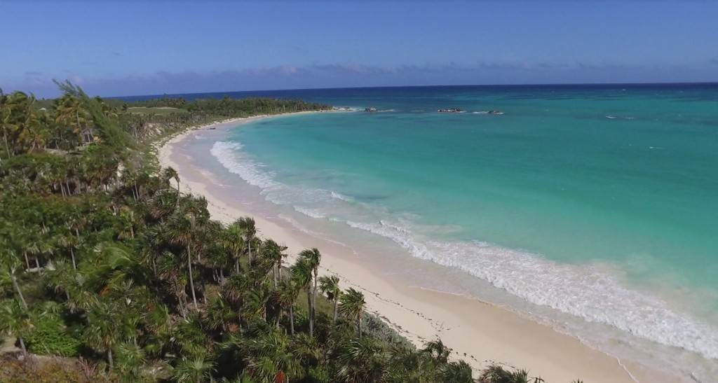 8. Land for Sale at Sea-to-Sea Beachfront Lot on Windermere Island - MLS 44293 Windermere Island, Eleuthera, Bahamas