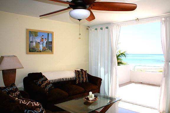 6. Co-op / Condominio por un Alquiler en Paradise Awaits! Newly Renovated Oceanfront 2 Bedroom Condo in Tyne Beach Bahama Terrace Yacht And Country Club, Gran Bahama Freeport, Bahamas