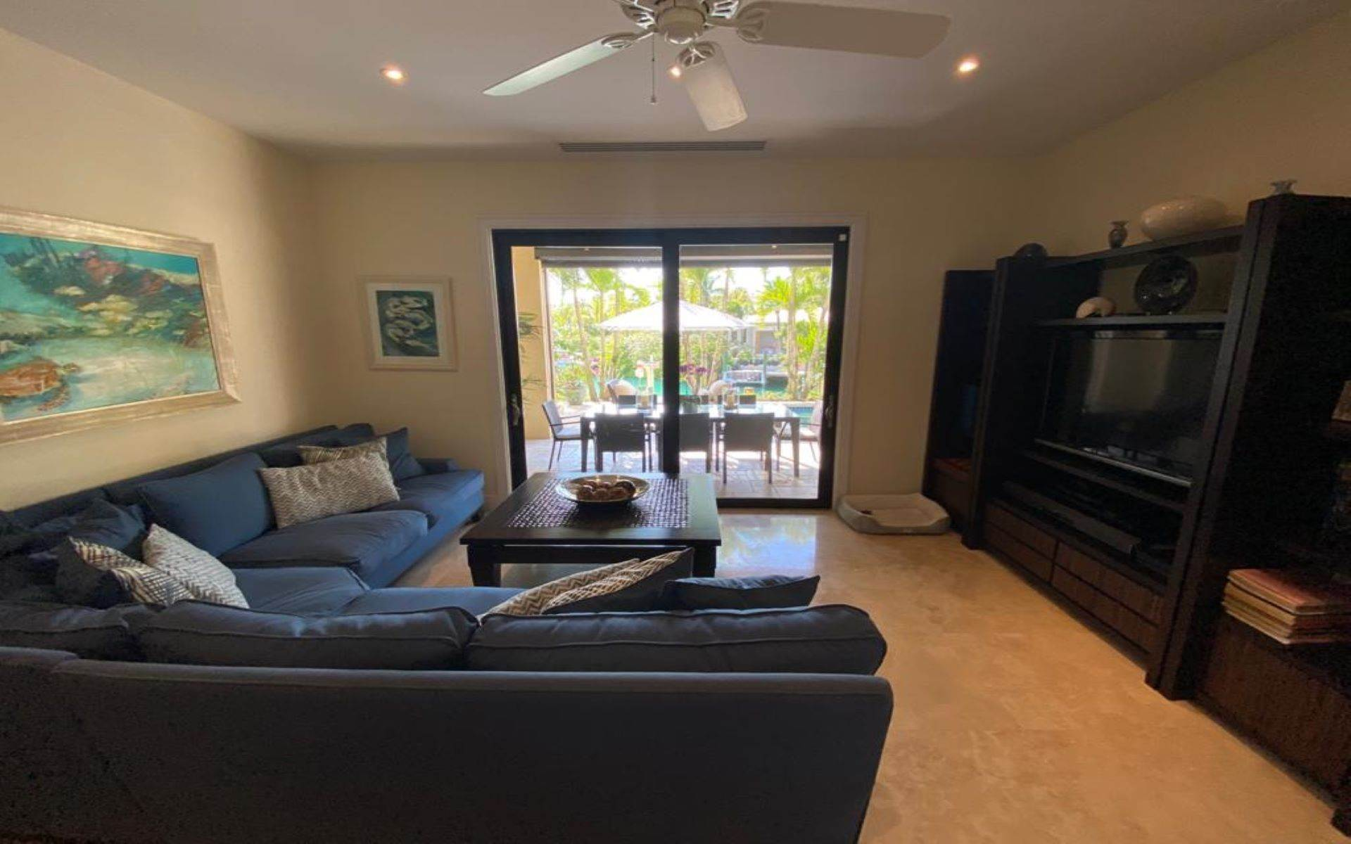 15. Single Family Homes for Sale at Immaculate House on Venetian Lane in Old Fort Bay Old Fort Bay, Nassau And Paradise Island, Bahamas
