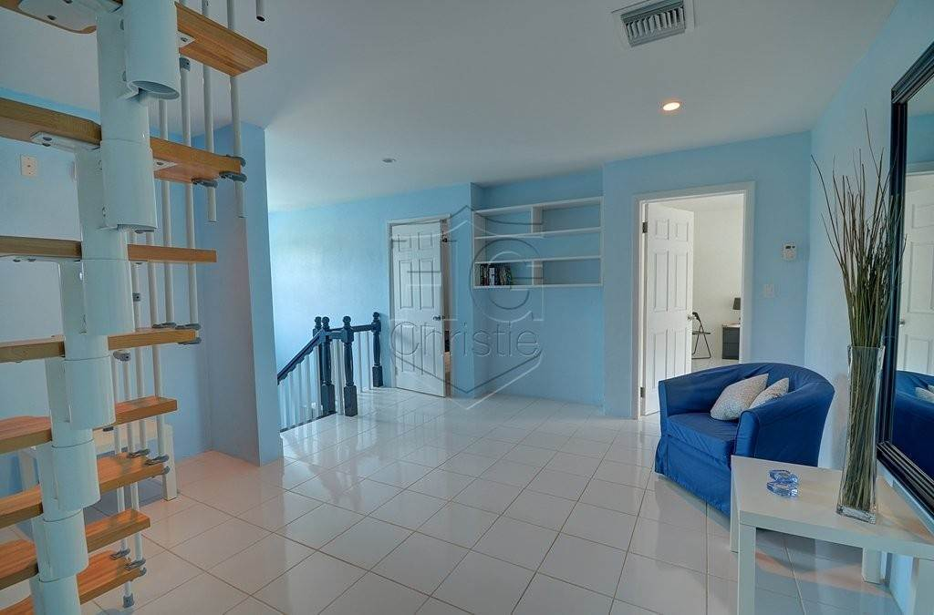 15. Single Family Homes for Rent at Modern family home in the East - MLS 40048 Camperdown, Nassau And Paradise Island, Bahamas