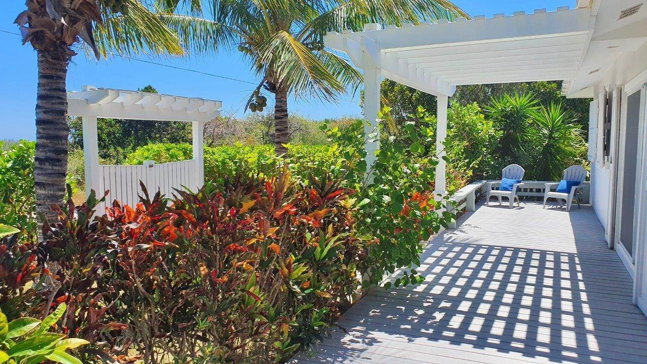 26. Single Family Homes for Sale at Fabulous Coastal Living Home in Governor's Harbour - MLS 44509 Governors Harbour, Eleuthera, Bahamas