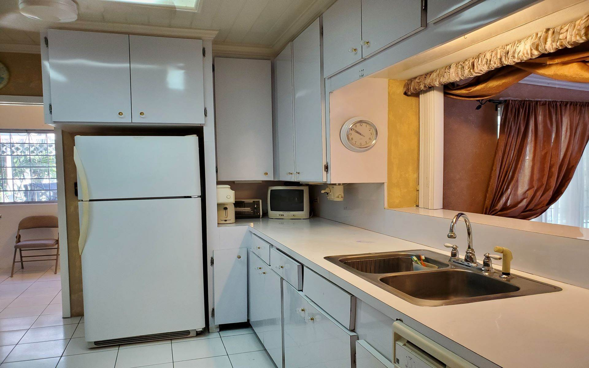 16. Single Family Homes for Rent at Monastery Park Home - MLS 42054 Monastery Park, Nassau And Paradise Island, Bahamas