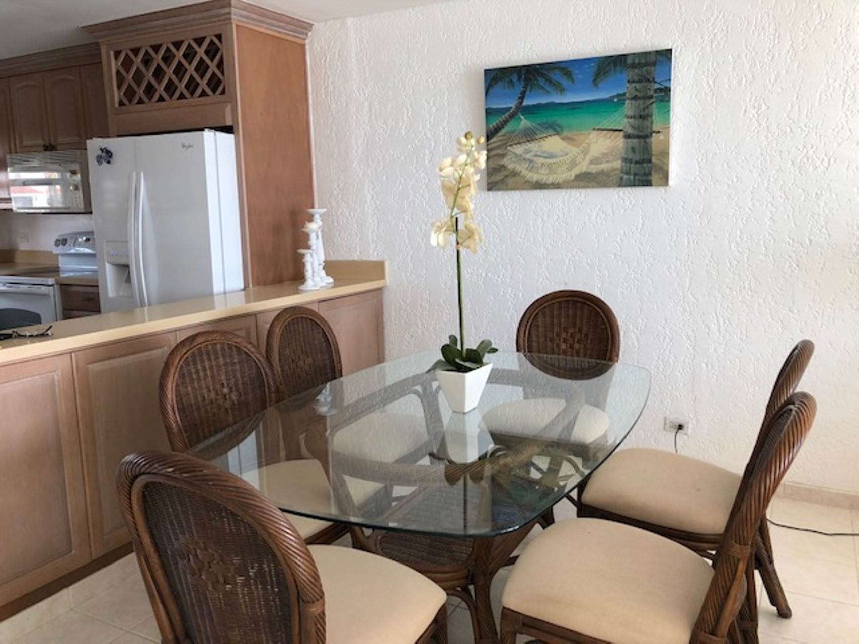 4. Co-op / Condo for Rent at Charming Delaporte Waterfront Townhouse Delaporte Point, Nassau And Paradise Island, Bahamas