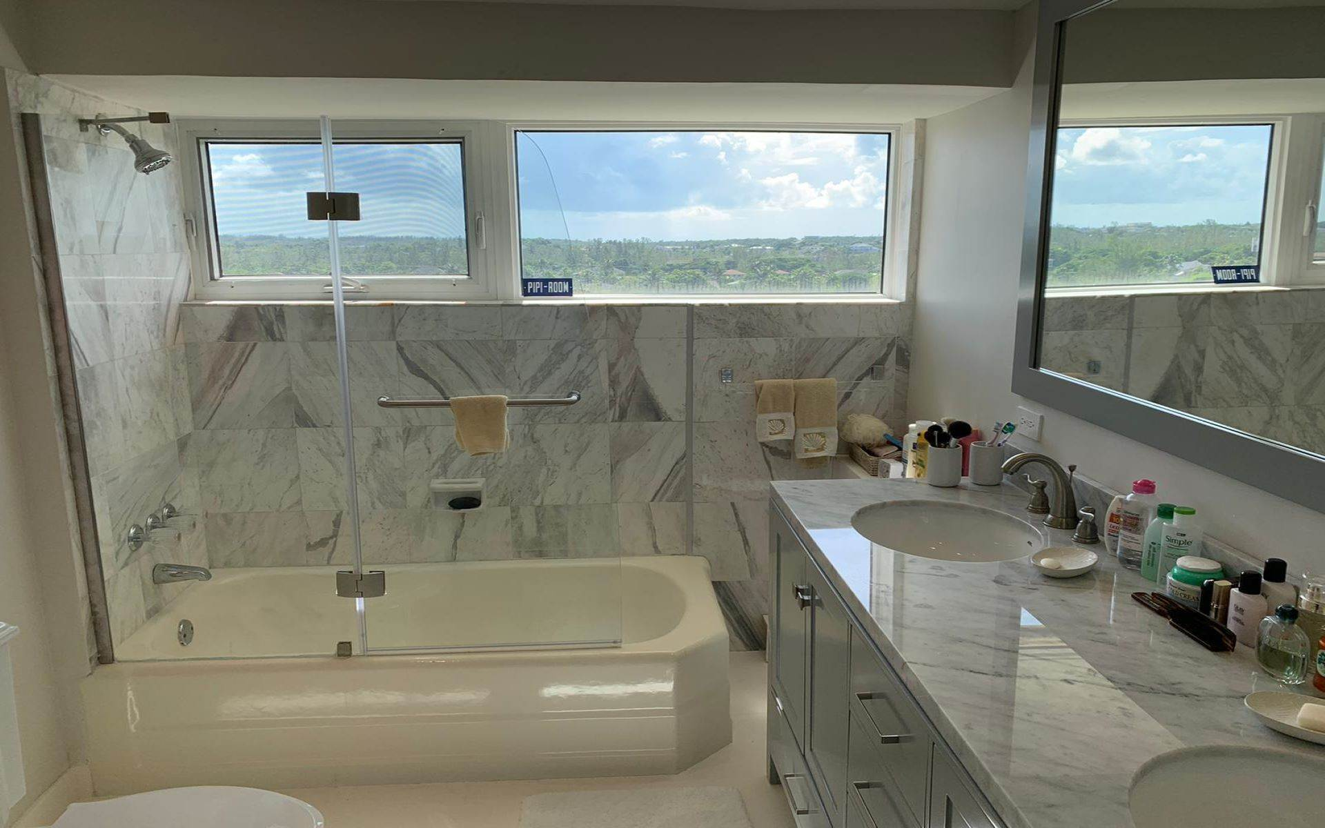 16. Co-op / Condo for Rent at Conchrest Condominium with Exceptional Ocean Views Conchrest, Cable Beach, Nassau And Paradise Island Bahamas