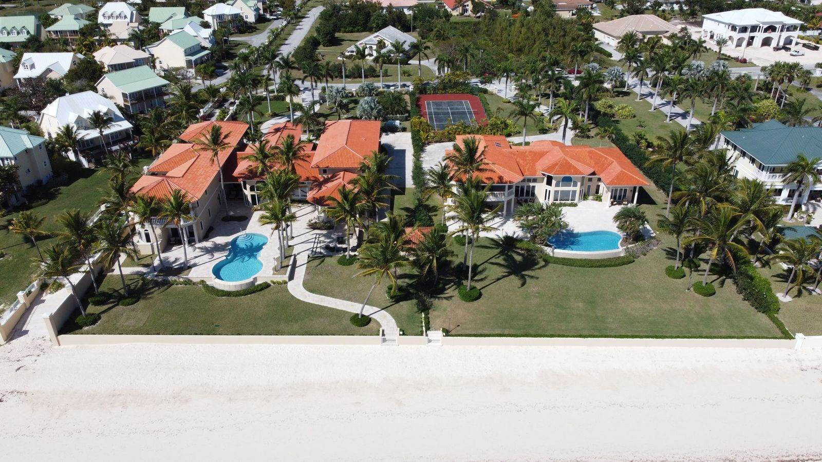 3. Single Family Homes for Sale at The Grand Estate at Fortune Cay - MLS 44053 Fortune Cay, Freeport and Grand Bahama, Bahamas